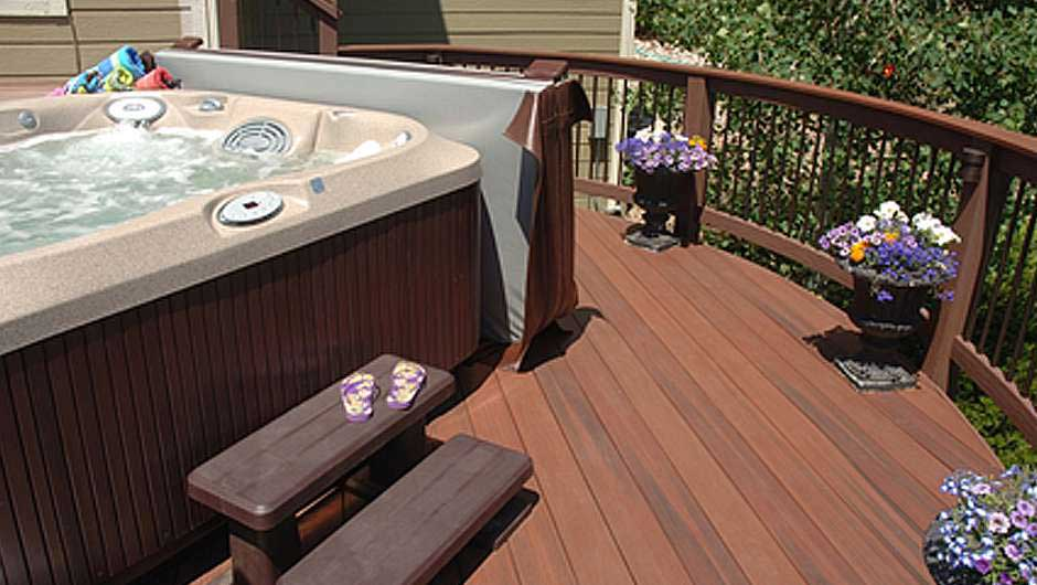 Decks and hot tubs what you need to know before you build for Free standing hot tub deck