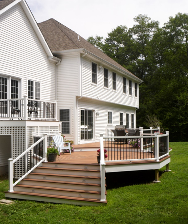 Marty-Weiss-Fiberon-horizon-decking-railing-stairs