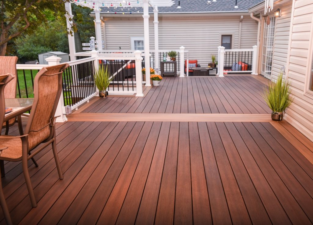 Picture-framed deck by Fiberon composite decking